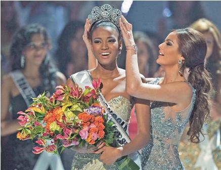 Una-bella-angolena-es-Miss-Universo-2011------