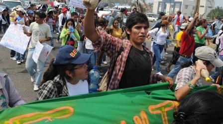 Las-marchas-en-apoyo-a-indigenas-se-hacen-sentir-en-Santa-Cruz