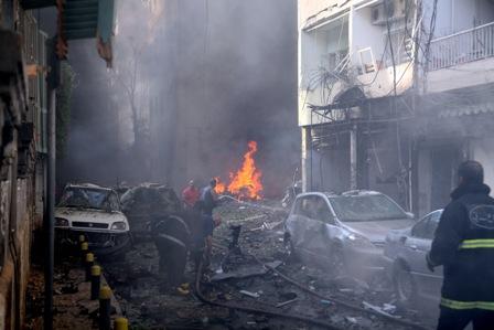 Al-menos-8-muertos-y-78-heridos-en-atentado-con-coche-bomba