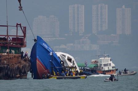 Mueren-38-personas-en-el-peor-accidente-maritimo-de-Hong-Kong-en-40-anos