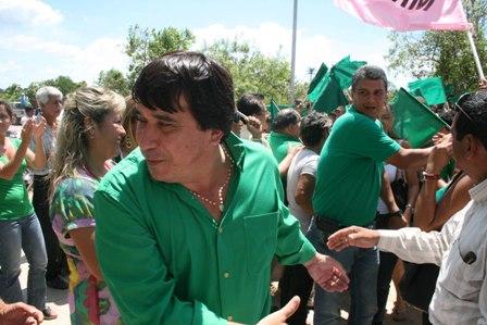 http://www.eldia.com.bo/images/Noticias/12-10-22/carmelo_lens_ernesto_suarez.jpg