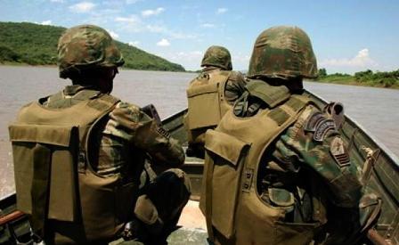 Militares-brasilenos-encuentran-droga-y-automoviles-de-contrabando-en-frontera-con-Bolivia---