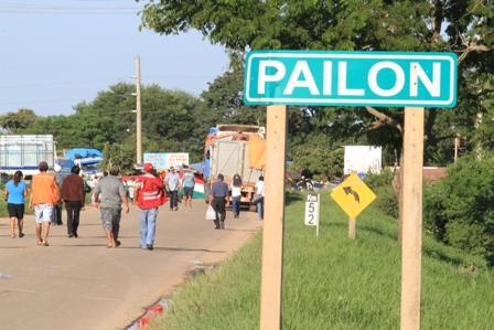 Trabajadores-de-salud-levantan-el-bloqueo-en-la-carretera-Santa-Cruz---Trinidad