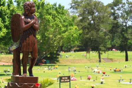 Los-cementerios-jardines-se-consolidan-como-alternativa-