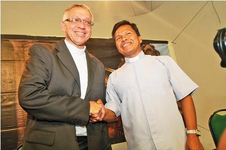 Benedicto-XVI-nombra-dos-nuevos-obispos-para-Bolivia