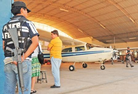 Allanan-hangares-ligados-a-narco-detenido-en-Paraguay