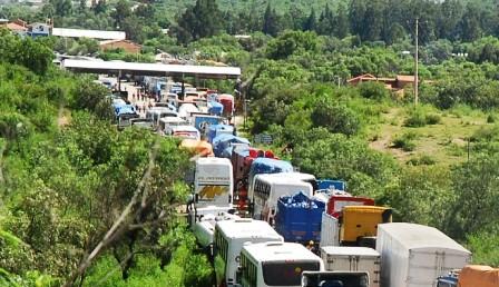 Nuevo-conflicto-de-limites-reactiva-bloqueo-Cochabamba-–-Santa-Cruz