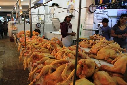 Precio-de-pollo-no-debe-pasar-los-bs-15-el-kilo