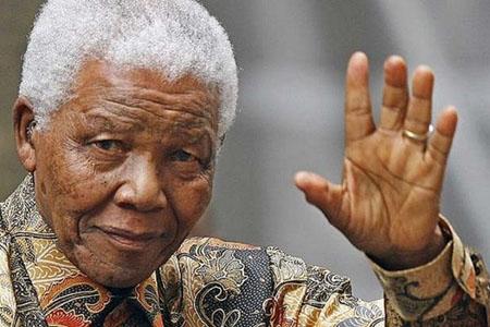 -Mandela-sigue-mejorando-tras-dos-semanas-en-el-hospital