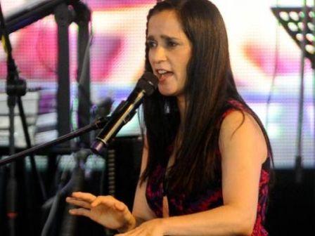 Julieta-Venegas-enfrenta-demanda-de-paternidad