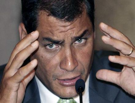 -Correa-premiado-por--comunicacion-popular--tras-cita-con-presidenta-argentina