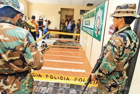 Umopar-secuestra-300-kilos-de-cocaina-a-tiros