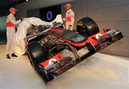 McLaren-presenta-el-MP4-27-de-Hamilton-y-Button-