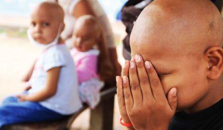 Resultado de imagen para niños oncologico de santa cruz, pacientes