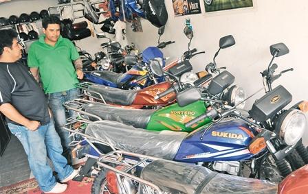 Las-motos-chinas-acaparan-el-mercado-por-sus-bajos-precios