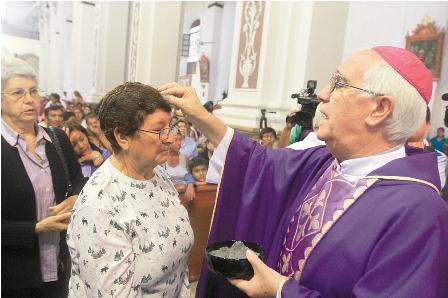 Catolicos-preparan--la-pasion-de-Cristo