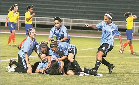 Argentina-y--Uruguay-ganan-en-el-sudamericano