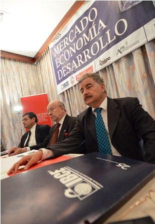IBCE-reeligio-a-Rojo-como-su-presidente