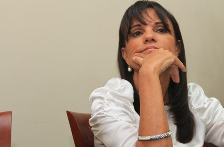 Concejo-suspende-a-Desiree-Bravo-
