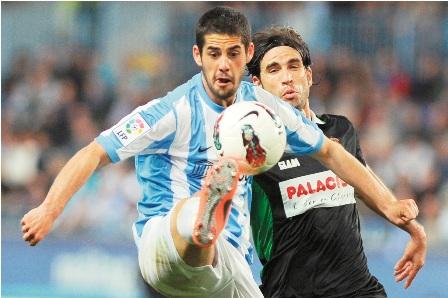 Malaga-gana-a-Racing-y-trepa-al-tercer-lugar