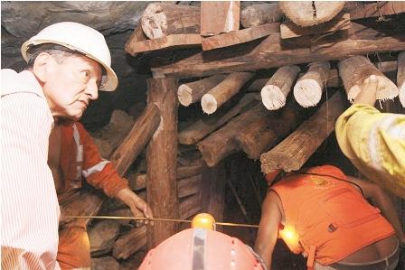 Mineros--sepultados--a--dos-metros-de-ver-la-luz