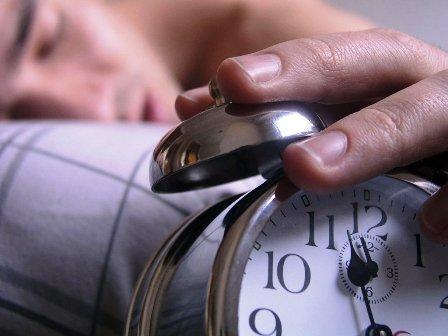 Dormir-poco-aumenta-los-niveles-de-estres-y-puede-causar-obesidad-