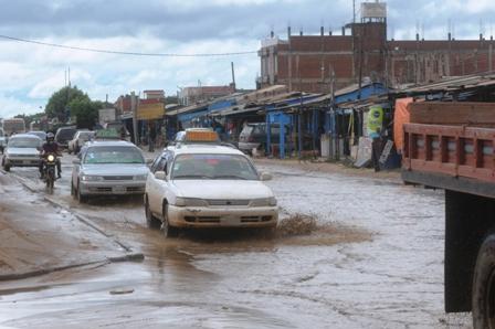 Vecinos-se-quejan-porque-el-drenaje-no-es-eficiente