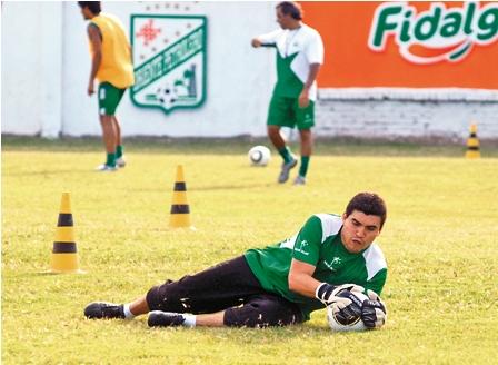 Suarez-se-queda-y-llega-el-brasileno-Juan-Felipe