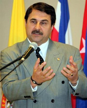 Un-medico-liberal-es-el-llamado-a-asumir-la-Presidencia-despues-de-Lugo