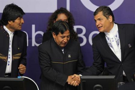 Correa-cuestiona-a-la-CIDH-y-sugiere-su-desaparicion