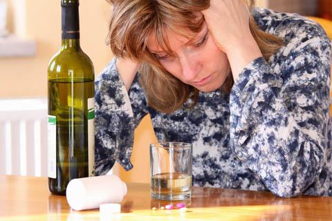 La salida del alcohol del organismo después de la dipsomanía
