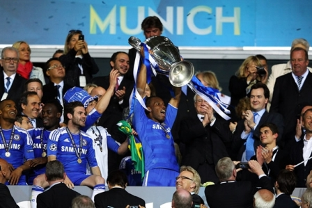 Chelsea-gano-60-millones-de-euros,-el-Barça-40-y-Real-Madrid-38