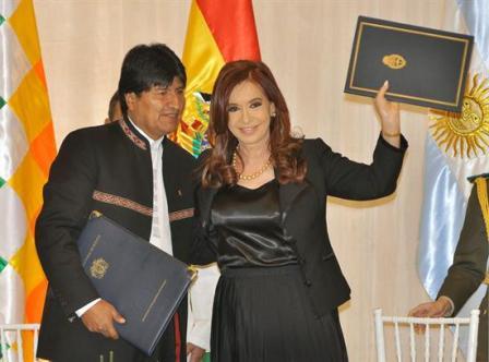 Bolivia-firma-convenios-para-vender-mas-gas-a-Argentina-sin-tocar-los-precios