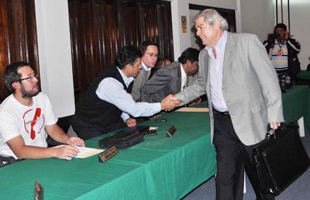 Oriente-Petrolero-logra-acuerdo-con-Juan-Carlos-Arce--