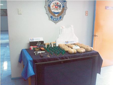 Arrestan-a-2-bolivianos-transando-18-kilos-de-droga