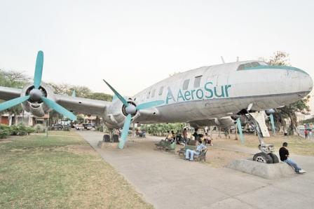 Aterriza-el-olvido-al--Avion-Pirata-