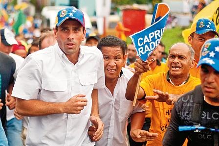 Capriles-en-virtual-empate-con-Chavez