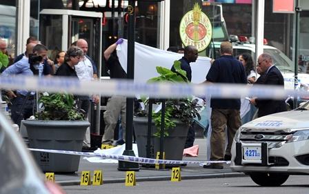 Al-menos-tres-muertos-tras-tiroteo-en-un-centro-comercial-de-EE.UU.