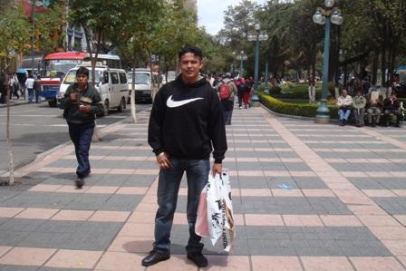 Pediran-informe-sobre-fotos-del--vinchita--paseando-por-las-calles-de-La-Paz
