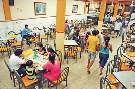 Restaurantes-ven-rentables-a-los-patios-de-comidas