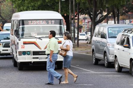 Pasos-peatonales-son-una-tarea-municipal-pendiente