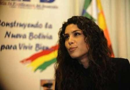 Morales-anuncia-la-candidatura-de-Jessica-Jordan-a-la-Gobernacion-del-Beni