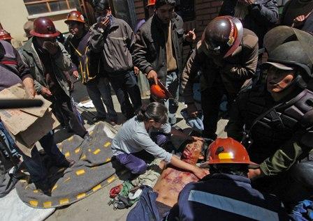 Cuatro-heridos-en-pelea-con-dinamita-entre-mineros-cooperativistas-y-asalariados