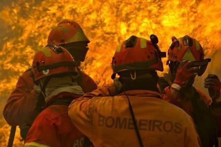 Portugal-pide-ayuda-para-combatir-incendios-forestales