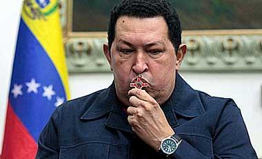 Hermano-mayor-de-Hugo-Chavez-asegura-que-este-asimila-el-tratamiento-y-no-esta-en-coma-