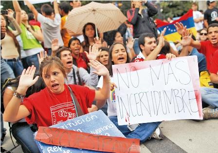 Hugo-Chavez-no-esta-en-coma,-segun-su-hermano-