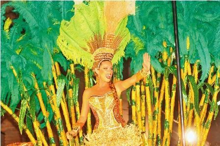 Preparacion-de-la-reina-del--carnaval---
