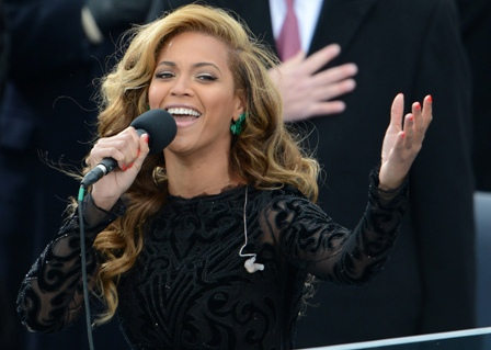 Beyonce-entono-el-himno-de-Estados-Unidos-en-la-investidura-de-Obama