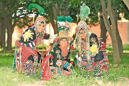 Carnaval-de-Oruro-en-Santa-Cruz