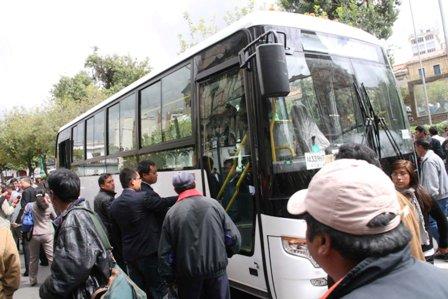 Presentan-primer-bus-chino-a-gas-natural-para-la-Confederacion-de-Choferes
